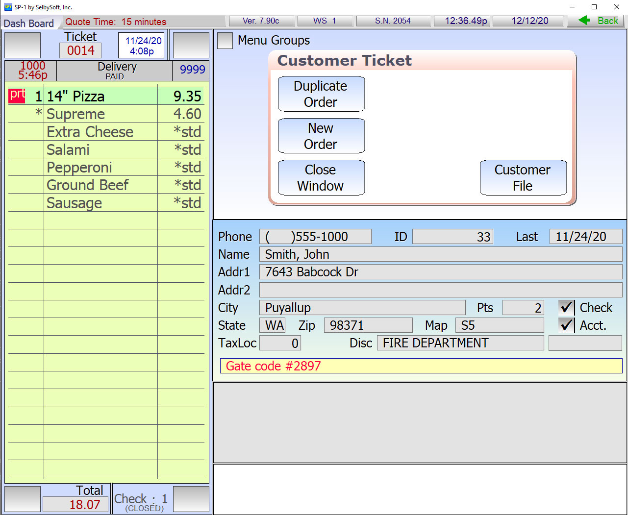Customer screen with Pizza on ticket