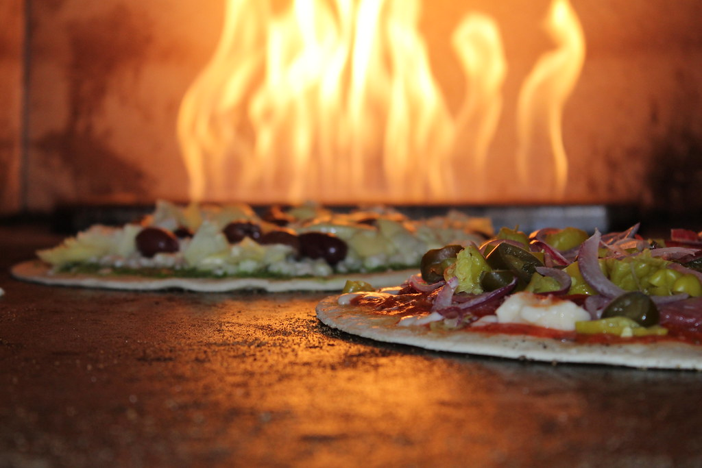 Wood fired pizza picture
